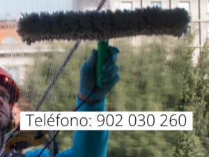 Limpieza de ventanas en edificios altos