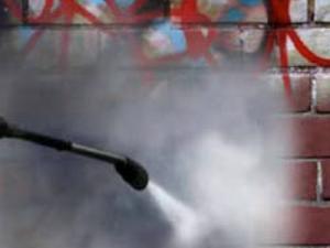 Limpieza de graffitis Barcelona: los servicios de Serlim