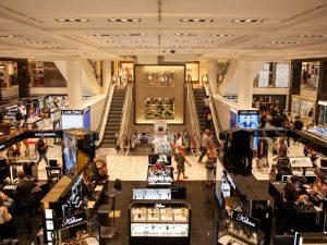 Cómo llevar a cabo una limpieza de centros comerciales en Madrid rápida y eficaz